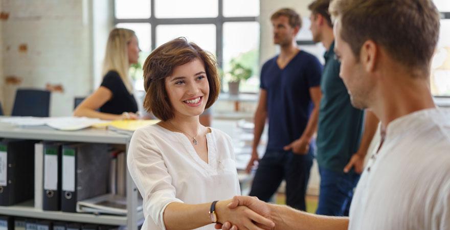 Cómo negociar tu primer sueldo